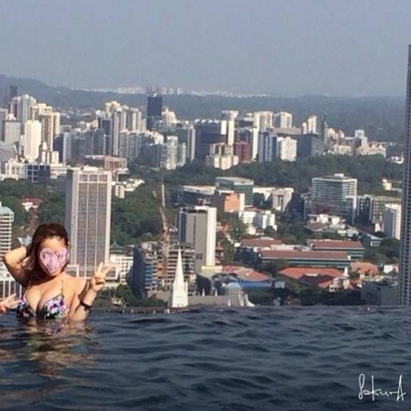 マリーナベイサンズ 最上階プールからシンガポール見たシンガポールの街並み